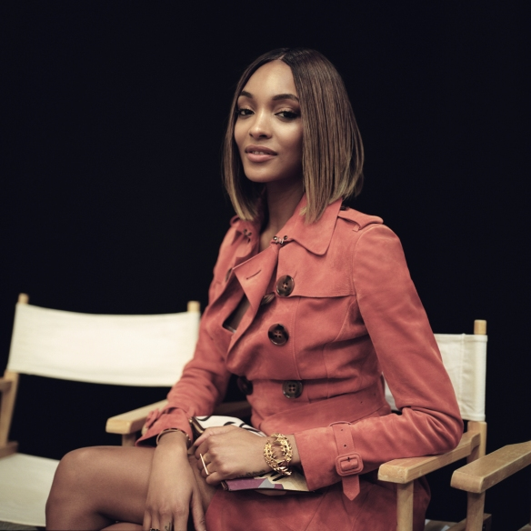 01 Jourdan Dunn backstage at Burberry LCM SHAUN JAMES COX